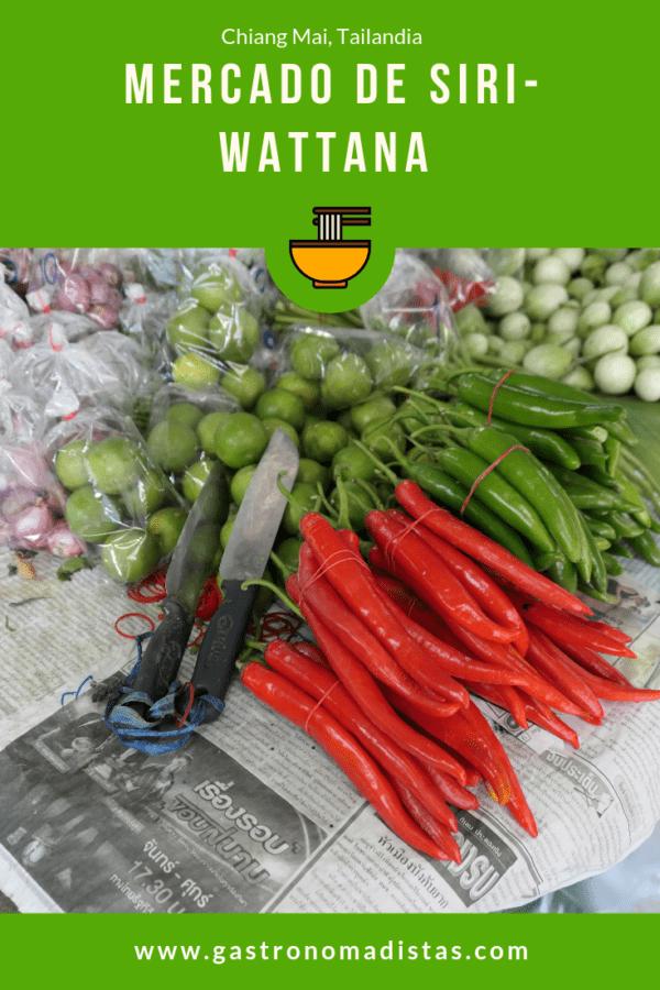 El mercado de de Siri Wattana es una fiesta para los sentidos. En él encontrarás todo tipo de productos frescos y platos preparados, algunos muy curiosos.