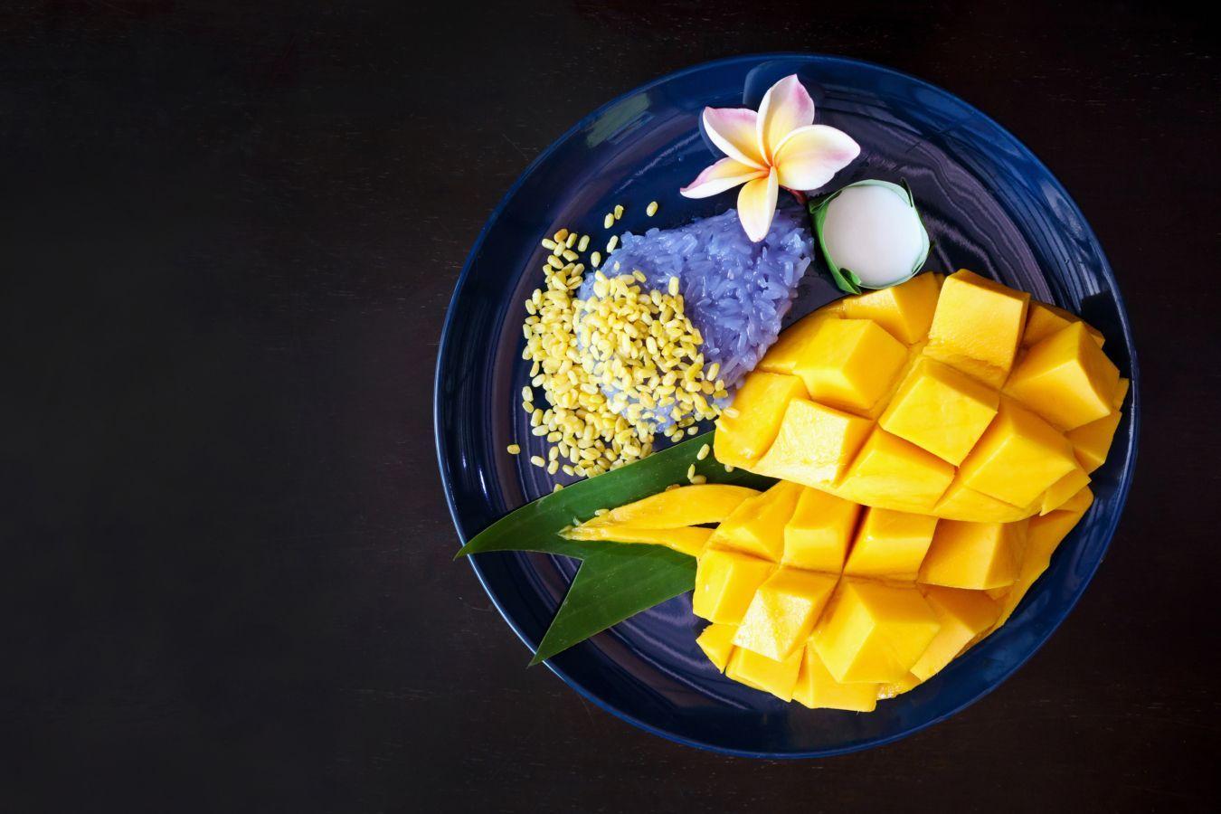 Mango and sticky rice: este postre vegano y sin gluten debería convertirse en tu absoluta prioridad tan pronto como pongas un pie en Tailandia | Gastronomadistas