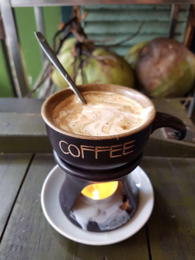 Dónde comer en Hanoi: caldos reparadores, baguettes imposibles y ¡café con huevo! 19 restauranes y puestos de comida callejera para comer barato en Hanoi | Gastronomadistas