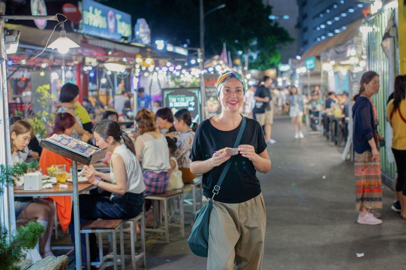 Explorando el mercado de Rot Fai | Gastronomadistas